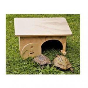 caseta refugio para tortugas en el jardín